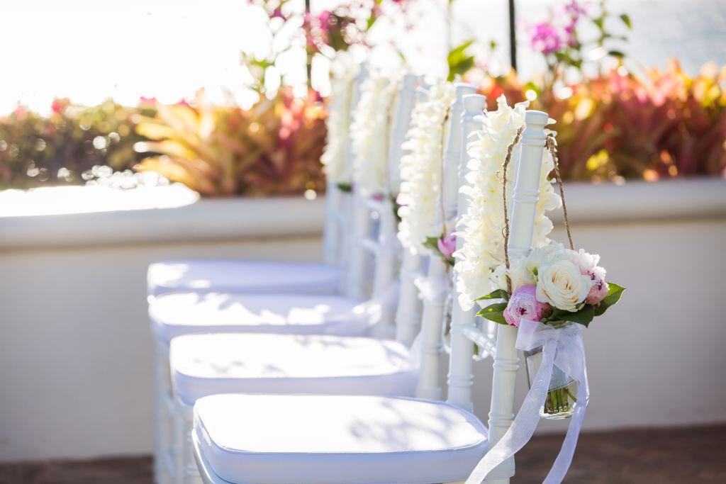 coral weddings - Hawaiian flower garlands 02.jpg