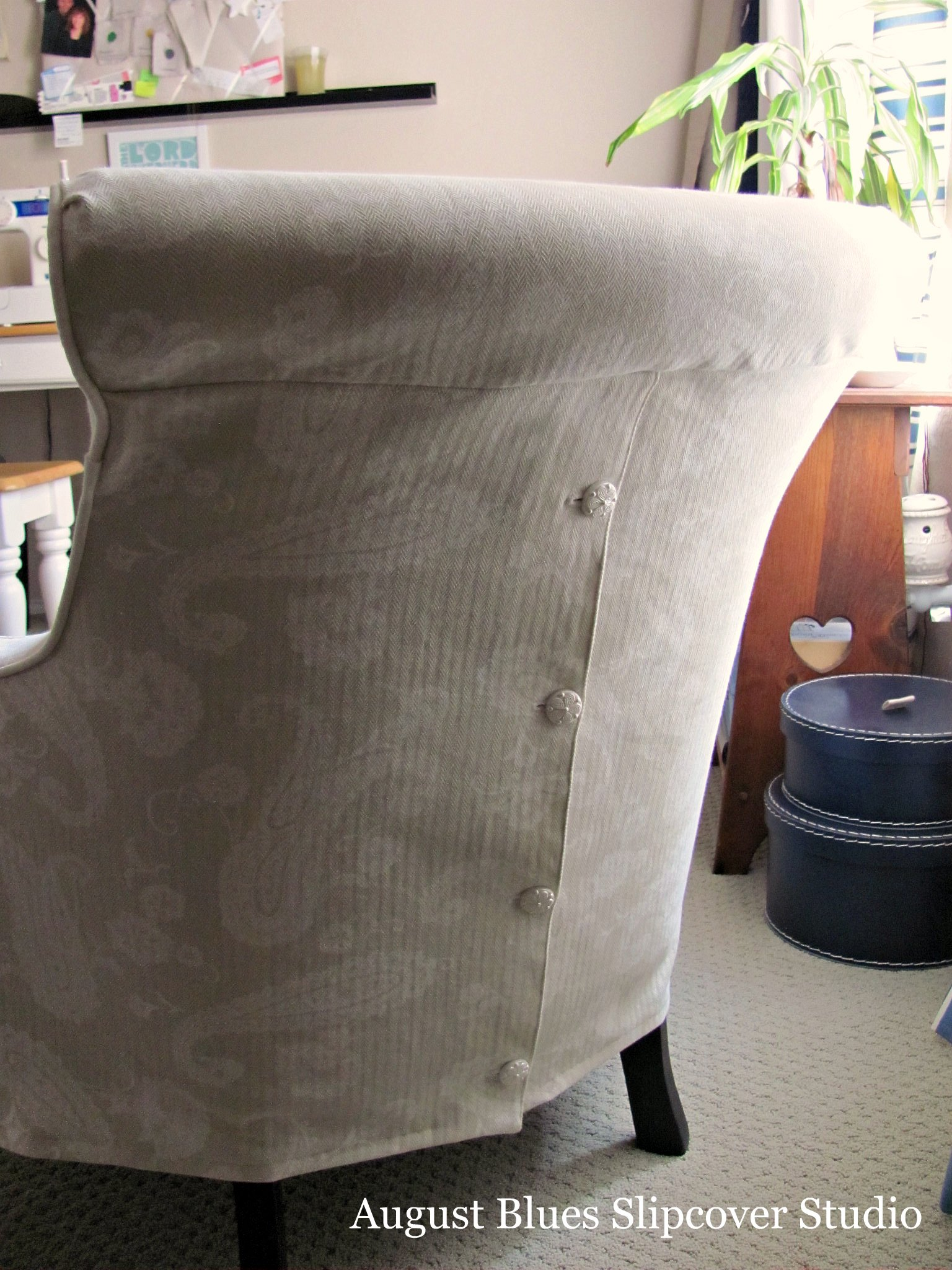 August Blues - Curvy Chair Buttons
