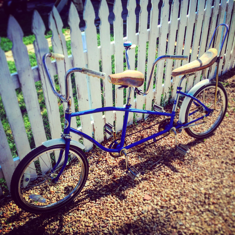 retro-tandem-bicycle_t20_XQWJ6z.jpg