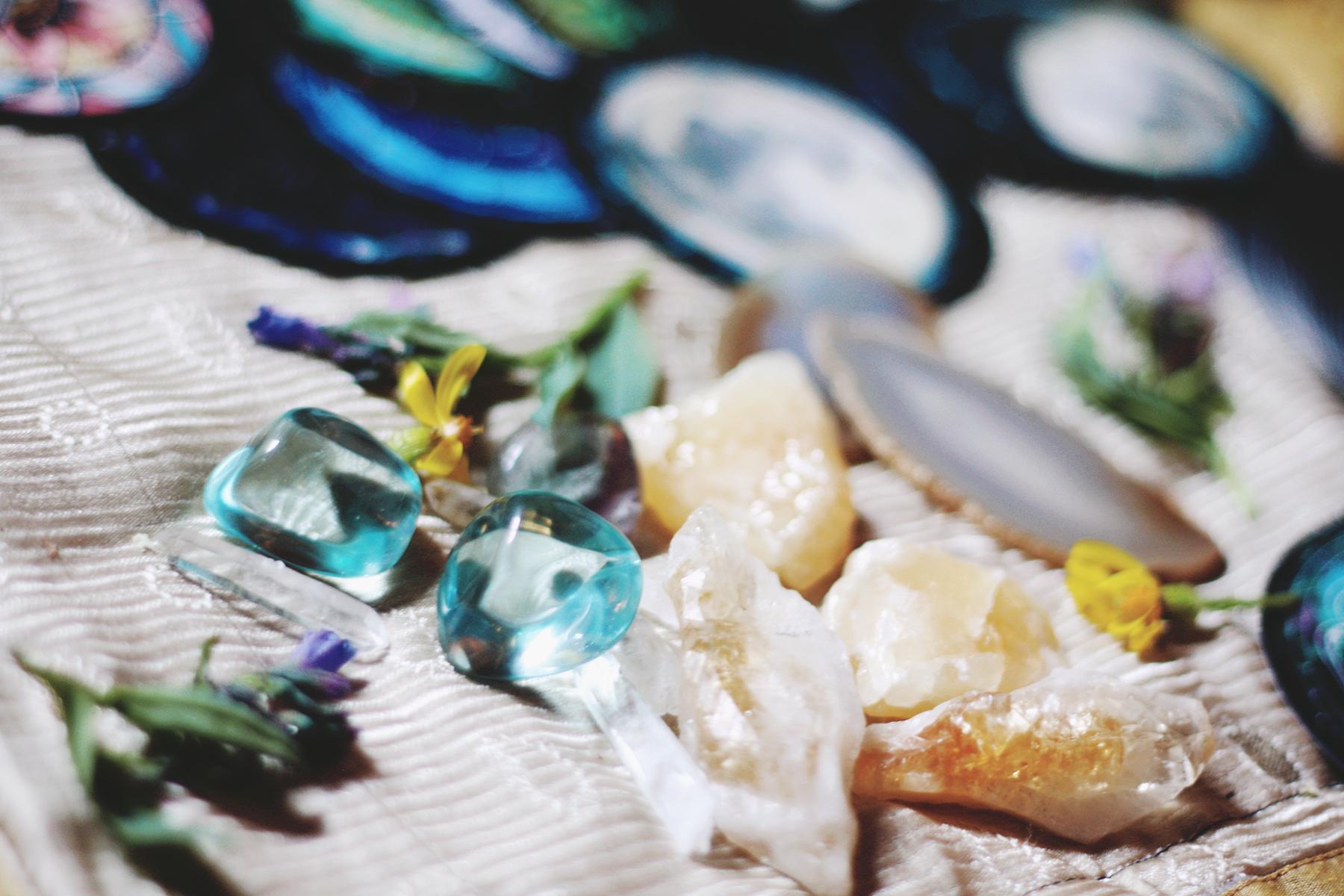 Crystal Companions for Spirit de la Lune