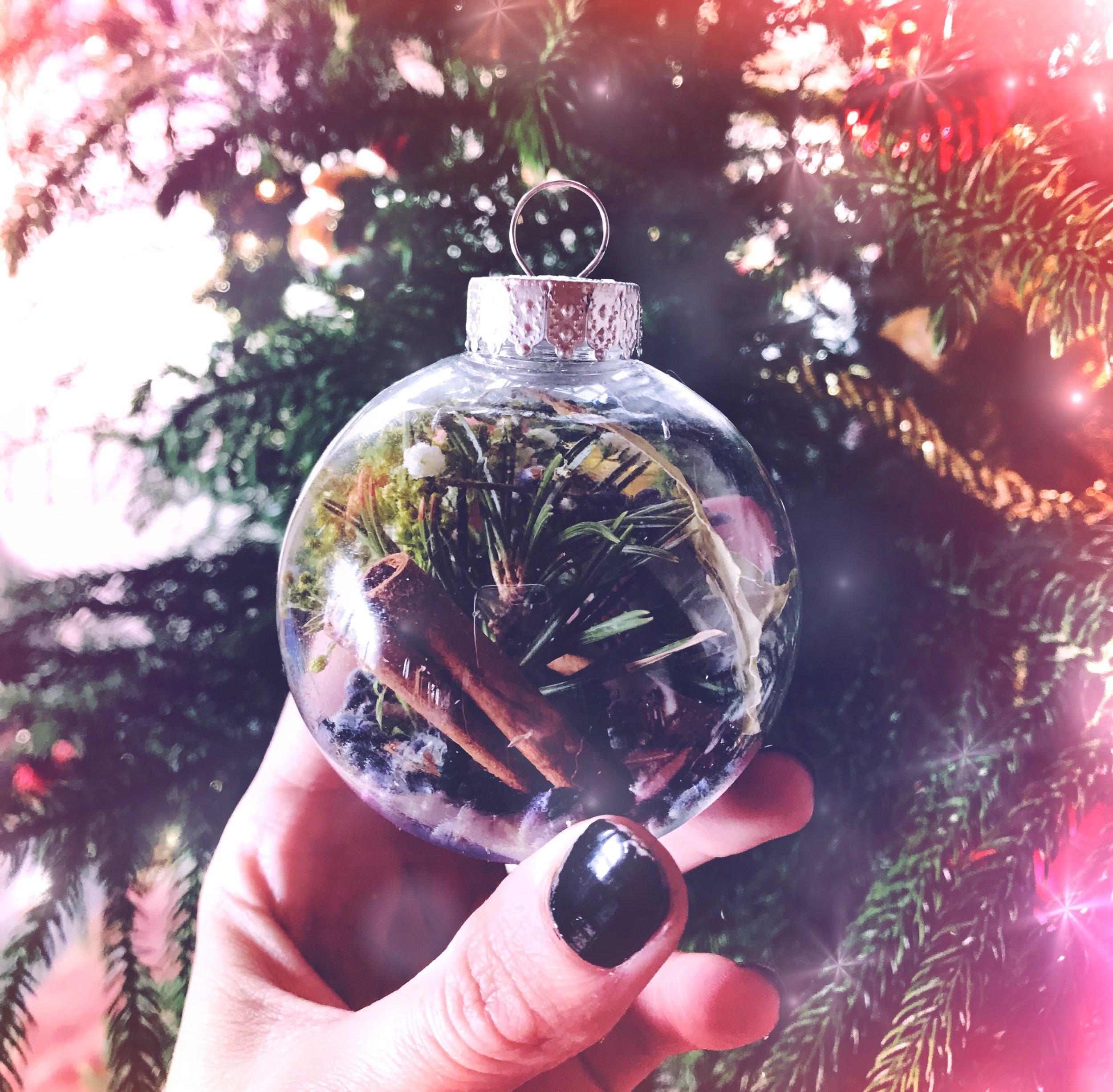 Spirit de la Lune | Witches bauble DIY yule ornament