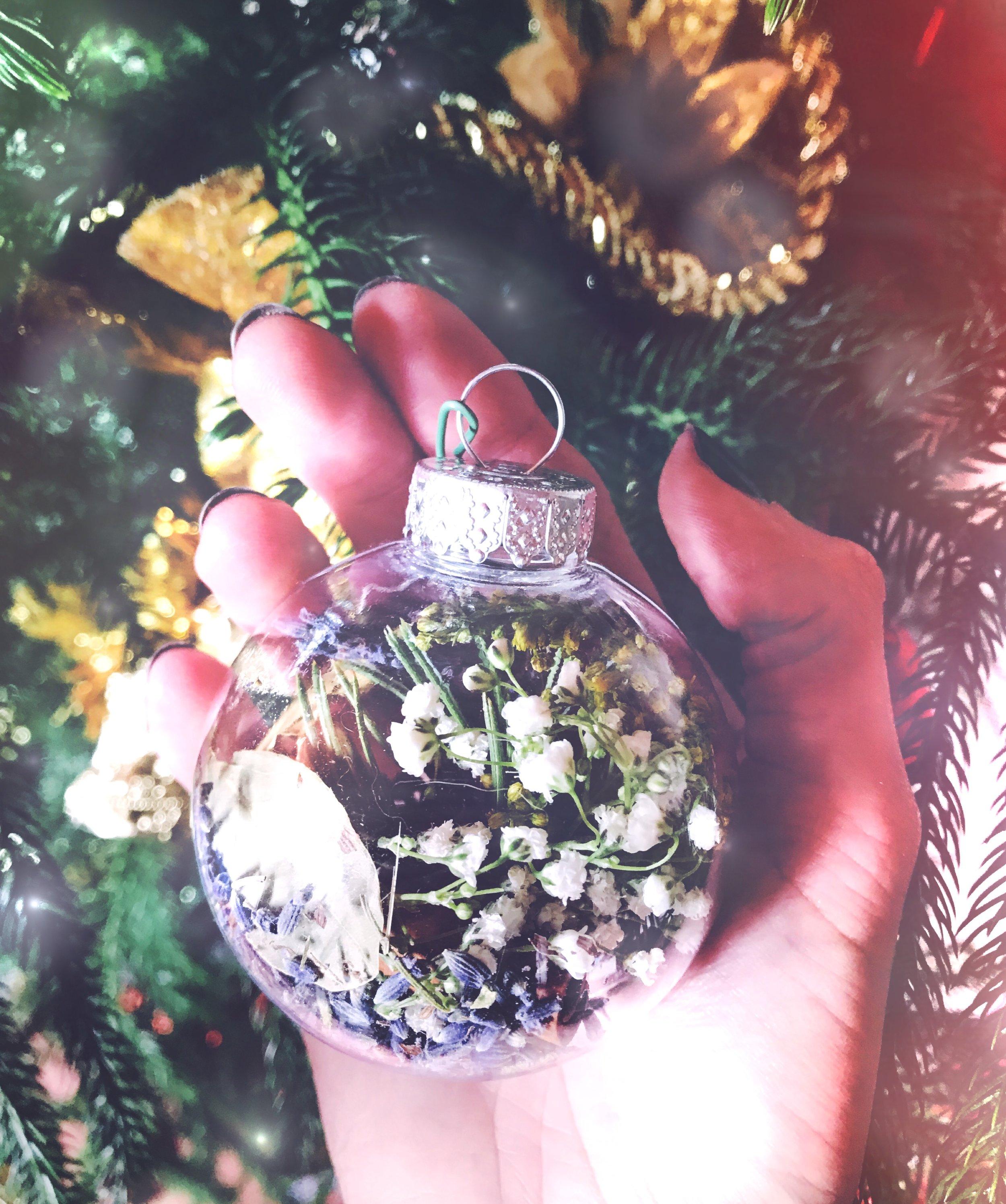 Witches Bauble Ornament for Yule Full Cold Moon | Spirit de la Lune