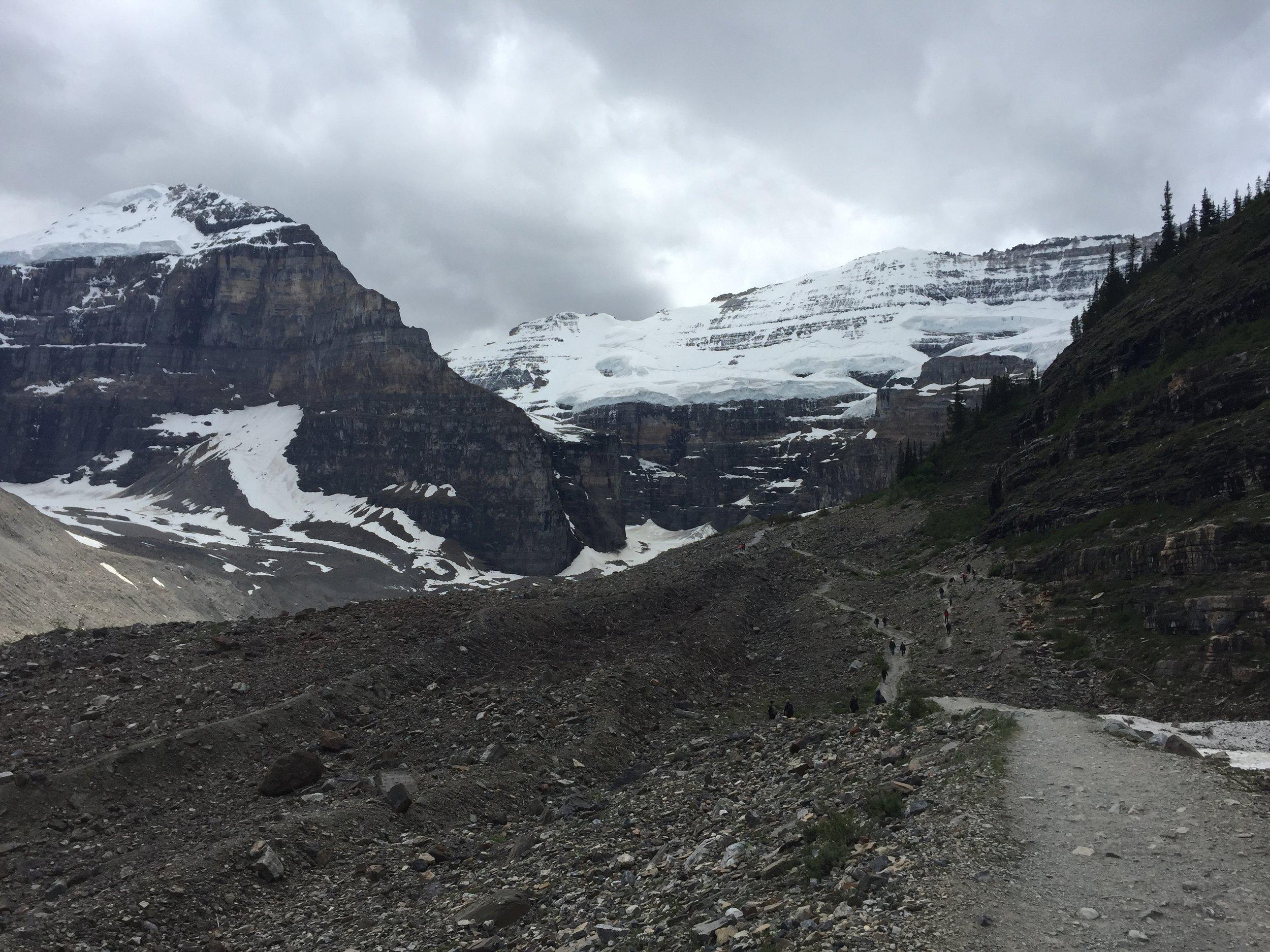 Plain of Six Glaciers teahouse trail