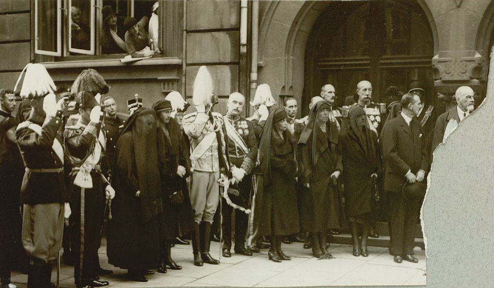 Emperor-in-Exile Kirill and Grand Duke Alexander Mikhailovich (far right) with Grand Duchesses Ksenia and Olga at the funeral of the Dowager Empress, 1928.