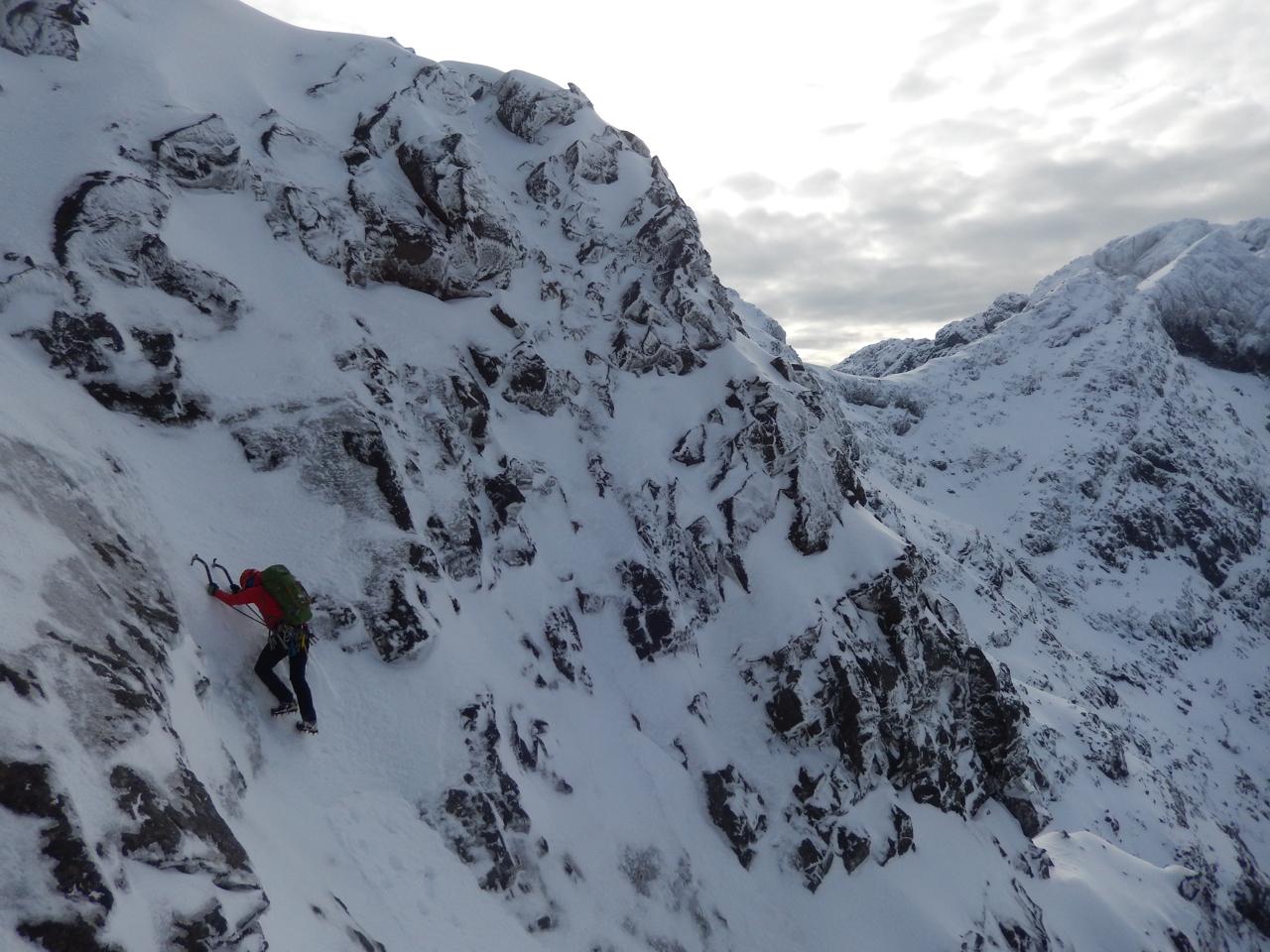 Short grade III step on upper slopes