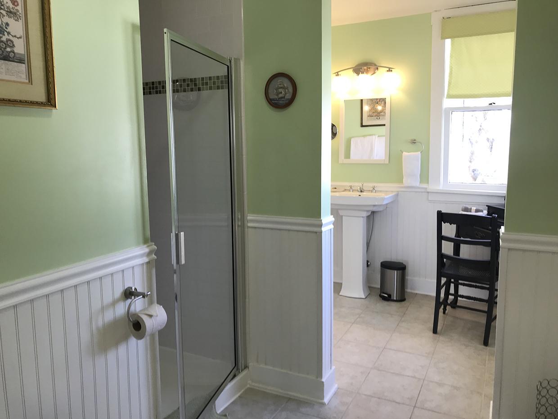 Orchard-house-boutique-hotel-bath-shower-light-green.jpg