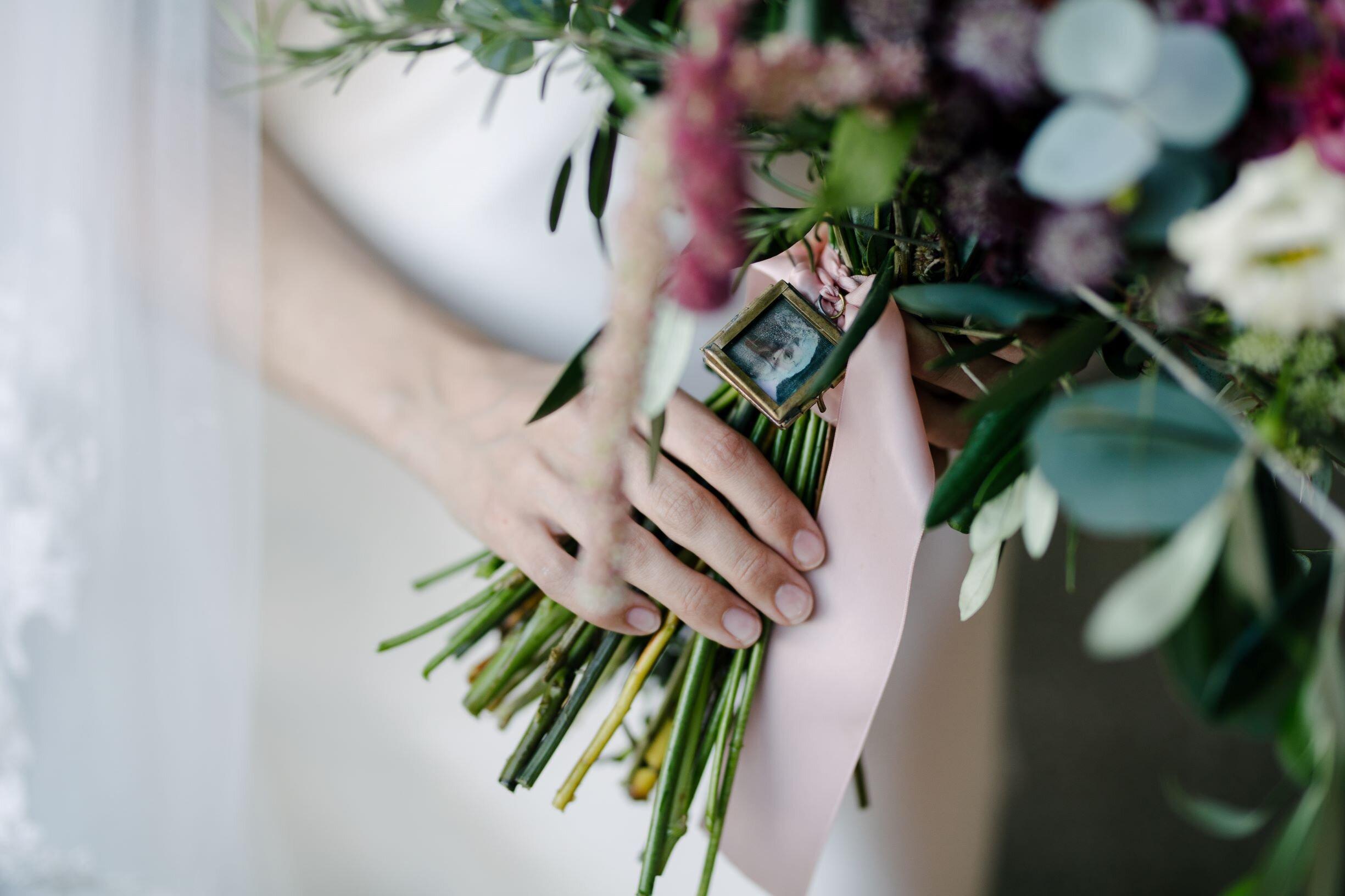 bouquet picture frame