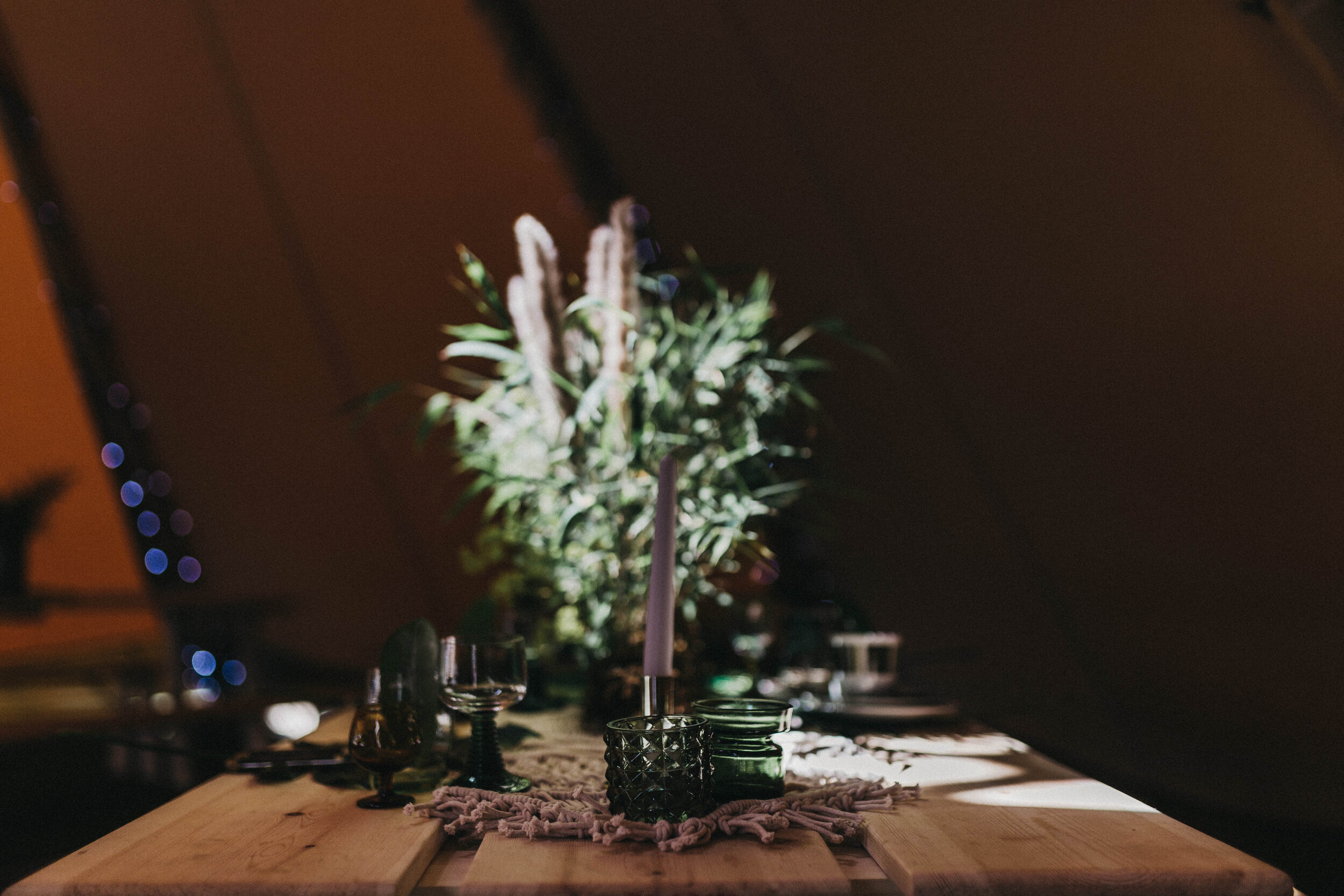mini pampas grass top table arrangement
