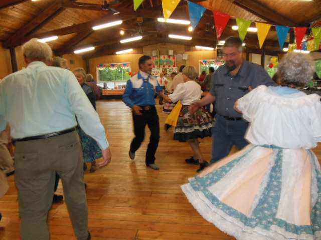 Learn To Square Dance 4.JPG