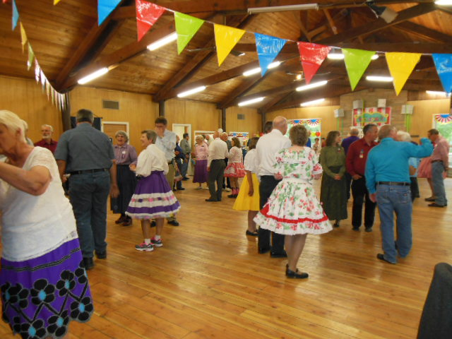 Learn To Square Dance 3.JPG