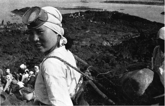 seawomen essay 3.jpg