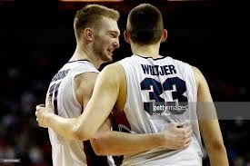 Sabonis and Wiltjer congratulate each other on universal ownership by 3MW