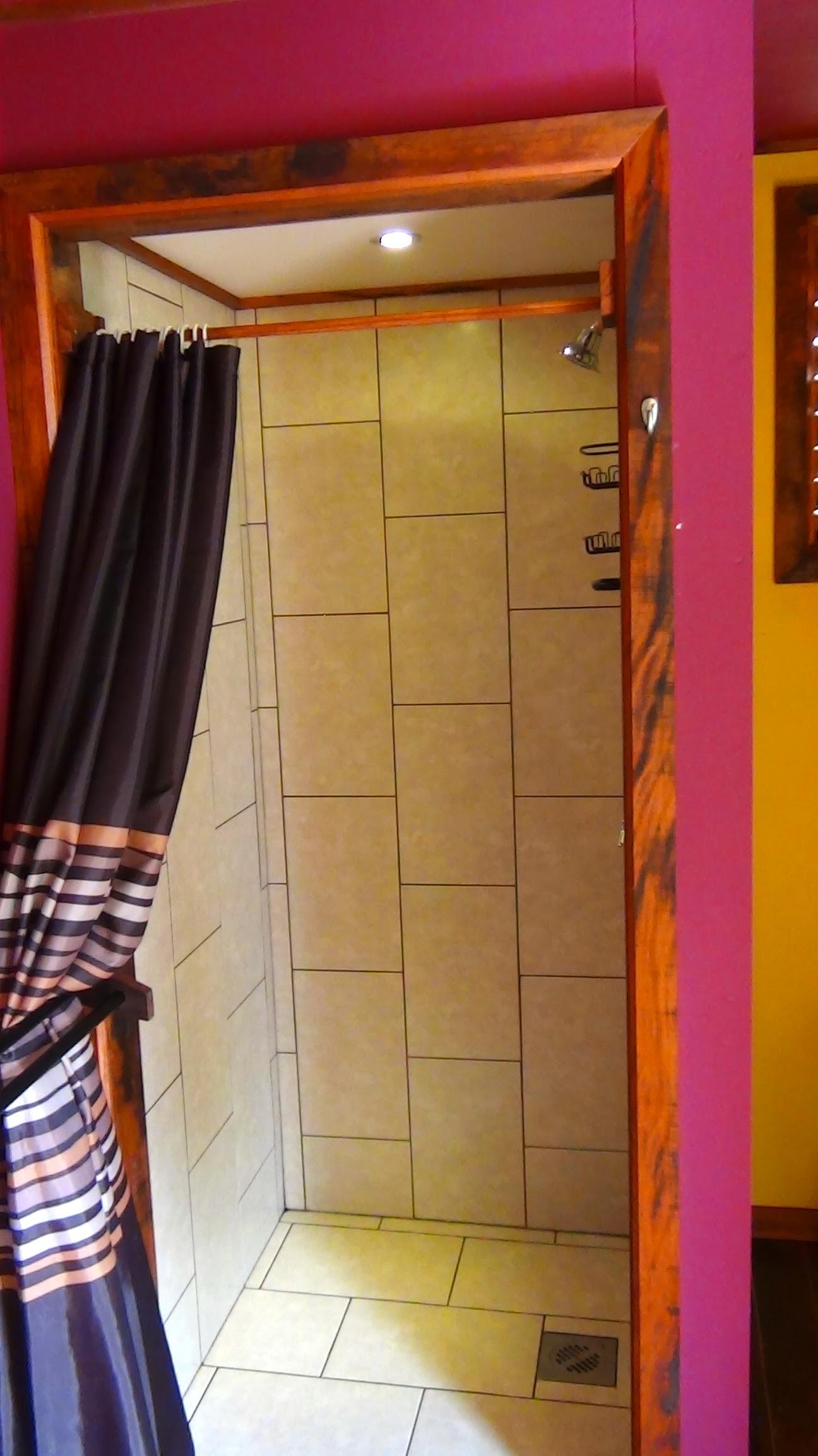 Los Escapados Eco-Cabin 3 bathroom