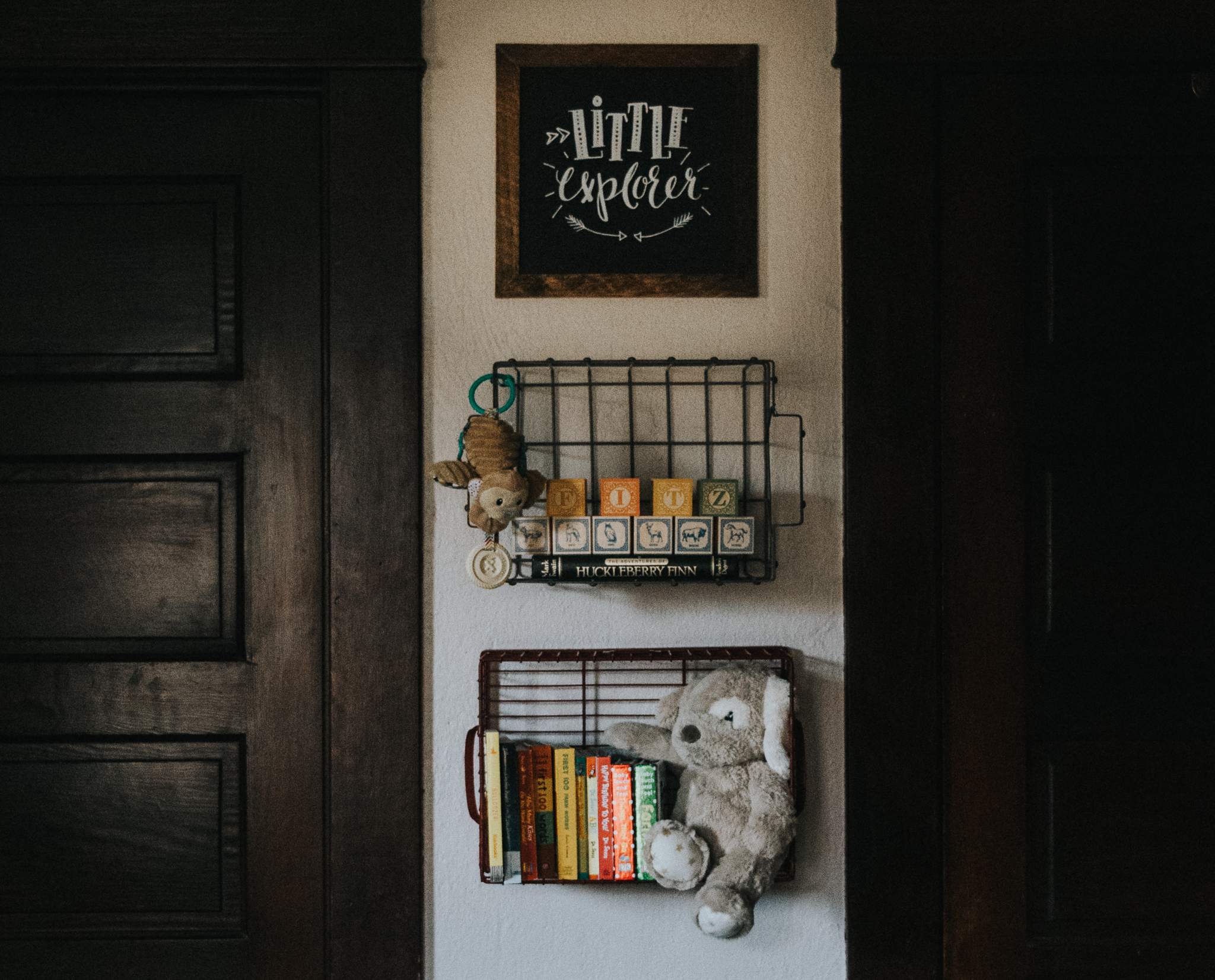 hanging crate shelves