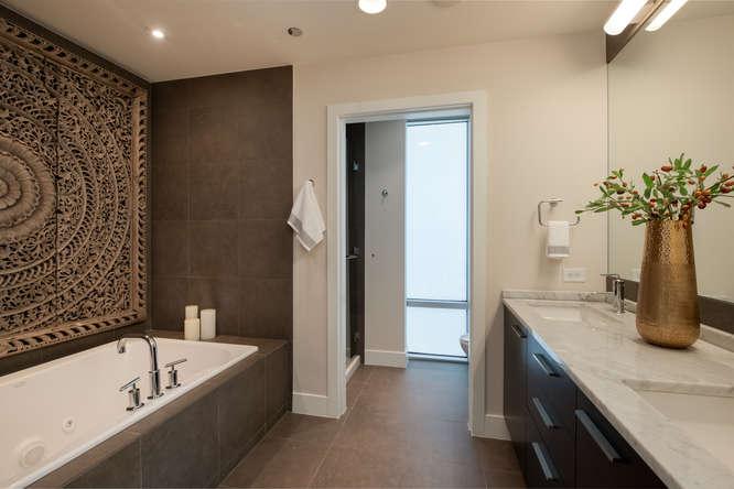 1200 Acoma Street 507-small-030-15-Master Bath-666x445-72dpi.jpg