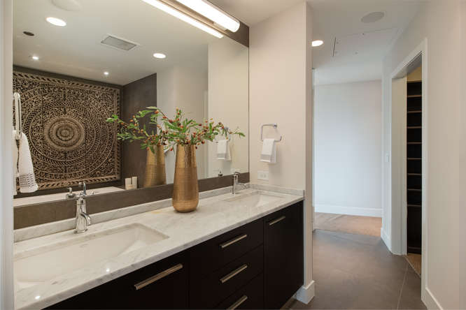 1200 Acoma Street 507-small-032-16-Master Bath-666x445-72dpi.jpg