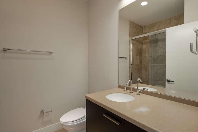 1200 Acoma Street 507-small-036-14-Full Bath-666x444-72dpi.jpg