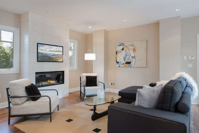 278 Dahlia Street-small-016-77-Family Room-666x444-72dpi.jpg