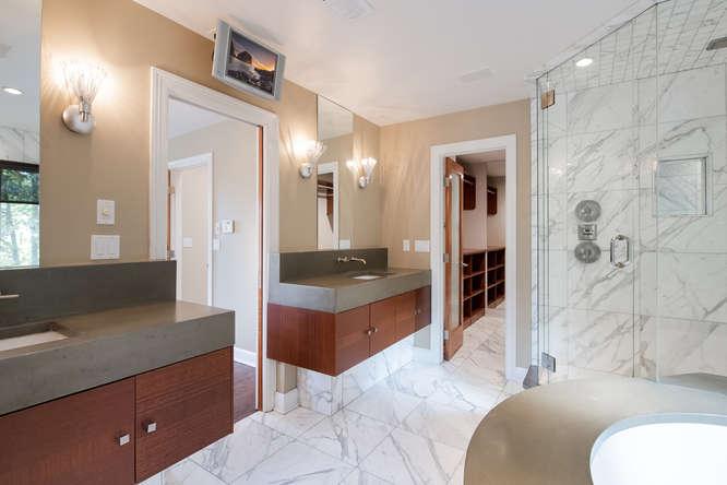 278 Dahlia Street-small-030-76-Master Bath-666x445-72dpi.jpg