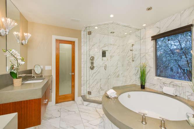 278 Dahlia Street-small-073-29-Master Bathroom-666x444-72dpi.jpg
