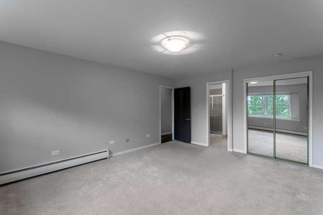 30024 Canterbury Circle-small-026-076-Master Bedroom-666x444-72dpi.jpg