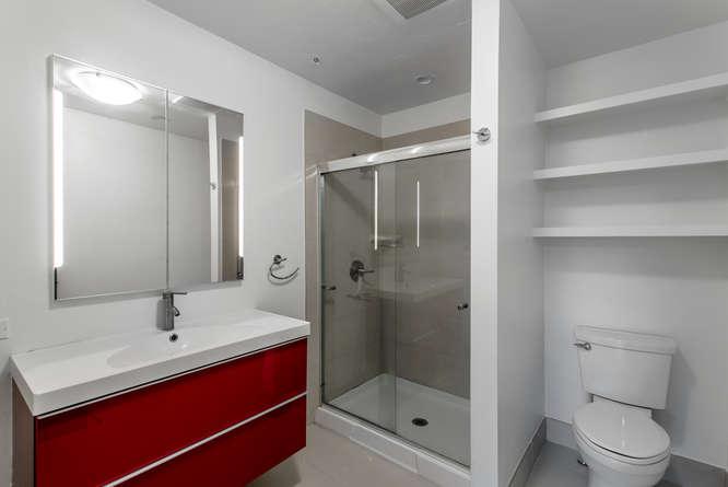 30024 Canterbury Circle-small-027-074-Master Bathroom-666x445-72dpi.jpg