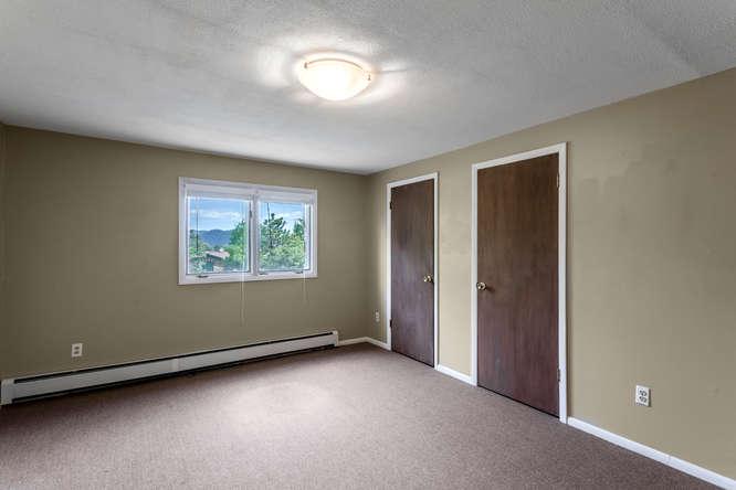 30024 Canterbury Circle-small-032-067-Bedroom-666x444-72dpi.jpg