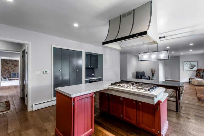 30024 Canterbury Circle-small-034-085-Kitchen-666x444-72dpi.jpg