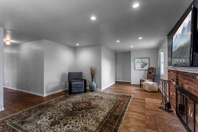 30024 Canterbury Circle-small-035-080-Family Room-666x444-72dpi.jpg