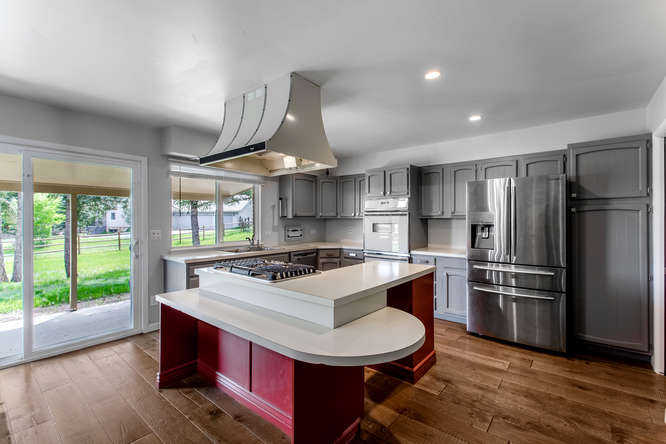 30024 Canterbury Circle-small-033-082-Kitchen-666x444-72dpi.jpg