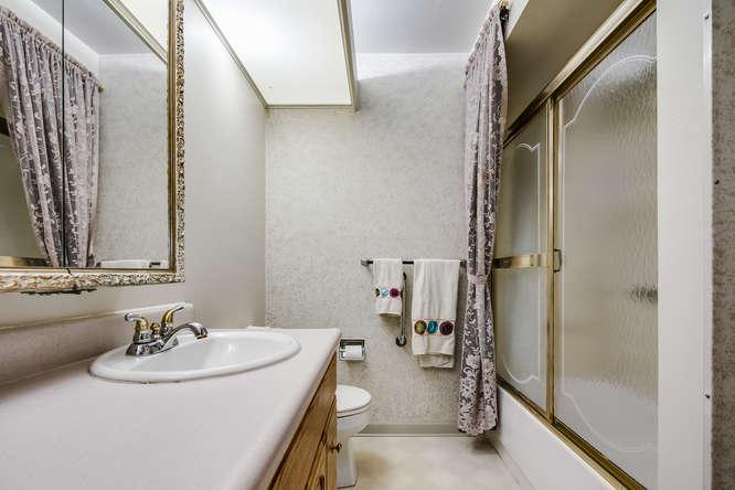 875 S Lewis Street-small-016-010-Bathroom-666x444-72dpi.jpg