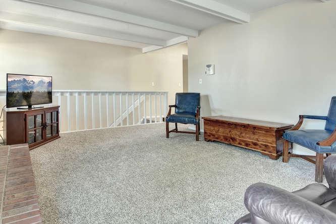 19455 E Floyd Avenue-small-009-014-Family Room-666x444-72dpi.jpg
