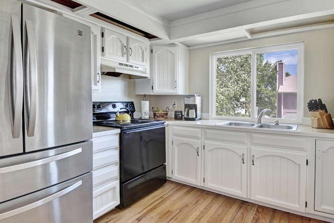 19455 E Floyd Avenue-small-013-013-Kitchen-666x444-72dpi.jpg