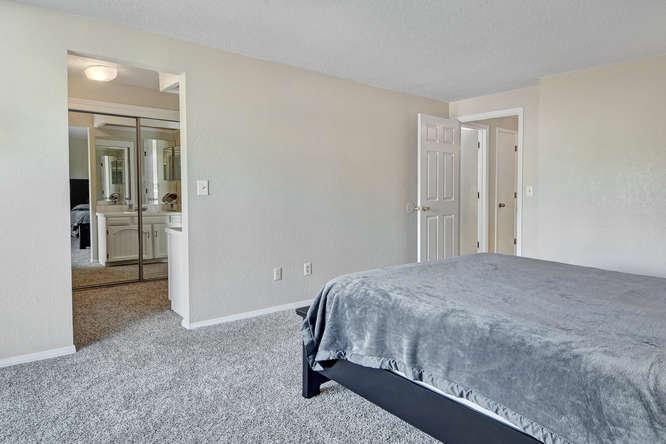 19455 E Floyd Avenue-small-019-030-Master Bedroom-666x444-72dpi.jpg