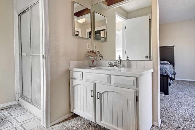 19455 E Floyd Avenue-small-020-004-Master Bath-666x444-72dpi.jpg