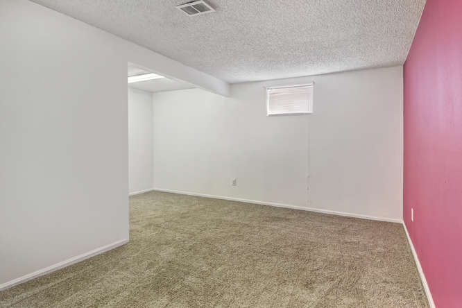 19455 E Floyd Avenue-small-028-019-Bedroom-666x445-72dpi.jpg