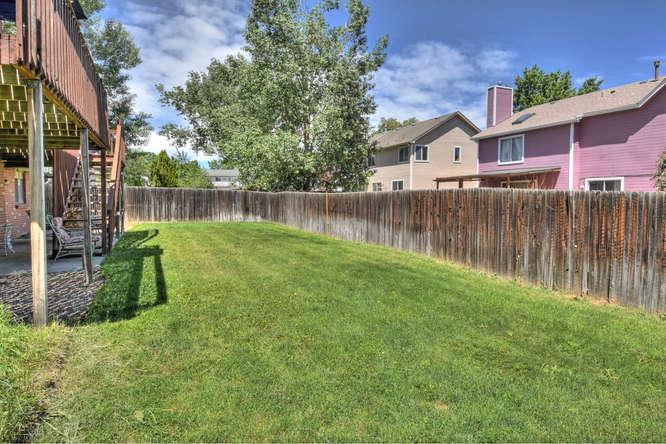 19455 E Floyd Avenue-small-034-035-Yard-666x444-72dpi.jpg