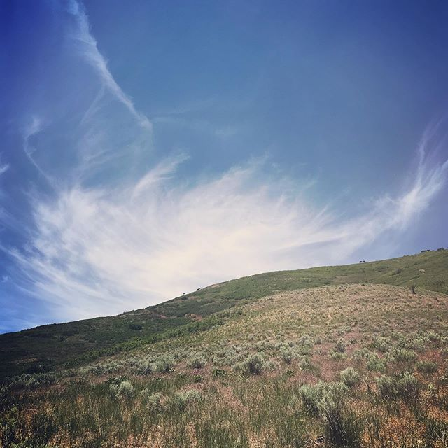Got a cloud hug on my hike yesterday. And don't those looks like lips in the middle?! A smooch too!!