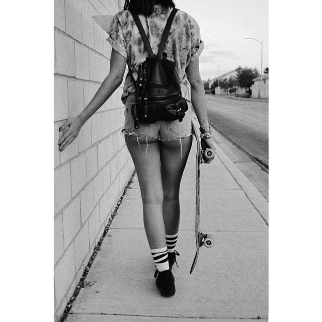 Happy #humpday 💚👽 #skate #vsco #lookbook