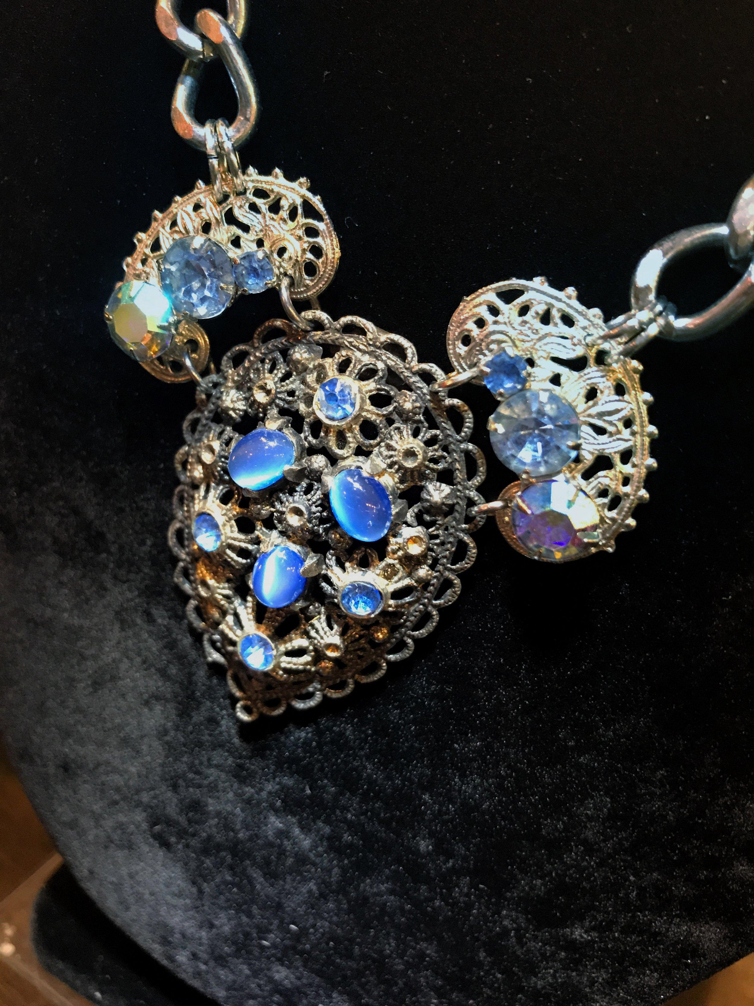 vintage blue neck.JPG