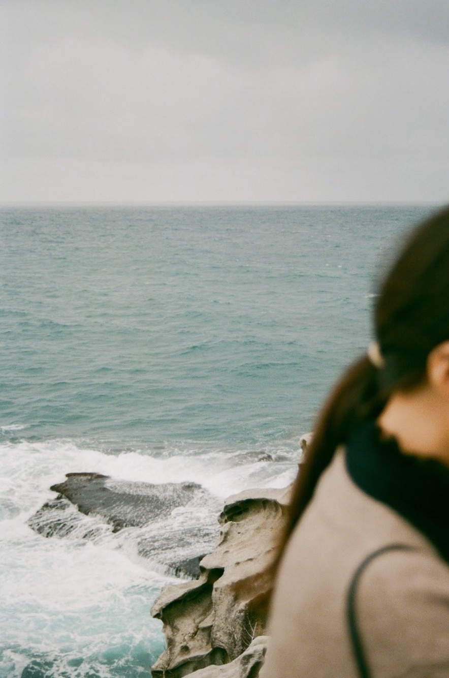 Nikon F90 + 28-70mm | Fujicolour C200 | @emilyyyung