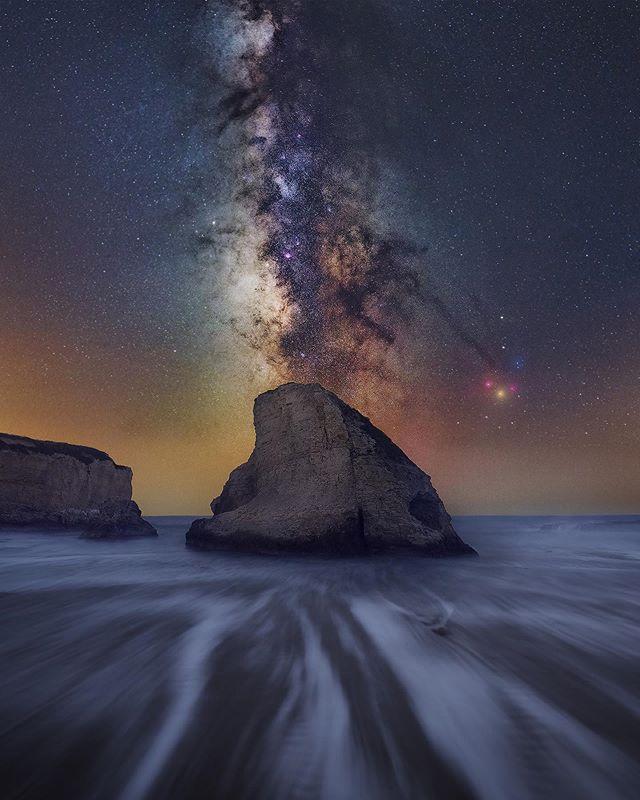 Tombstone  Need more of seascapes Milky Way ! . . #astrophotography #milkway #milky_way #underthestars #starscape #tkottary #fantastic_universe #sfbayarea #santacruz #sharkin #seascape #california #nikond810
