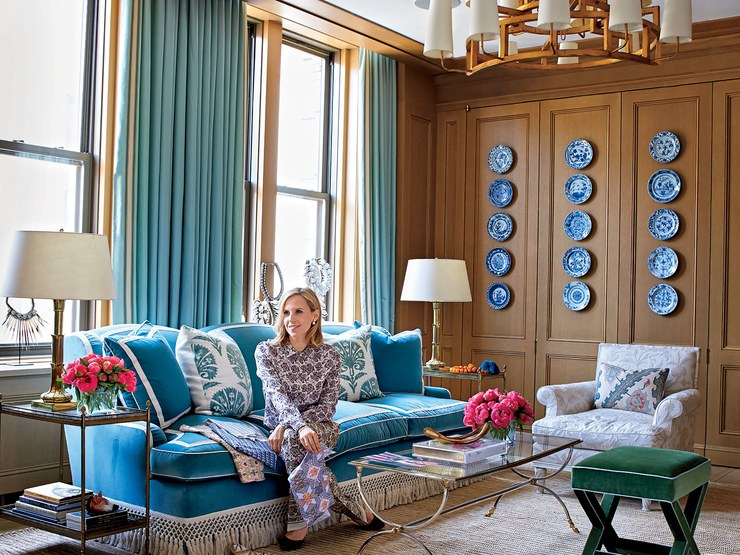 Tory Burch's office sitting area via   Architectural Digest