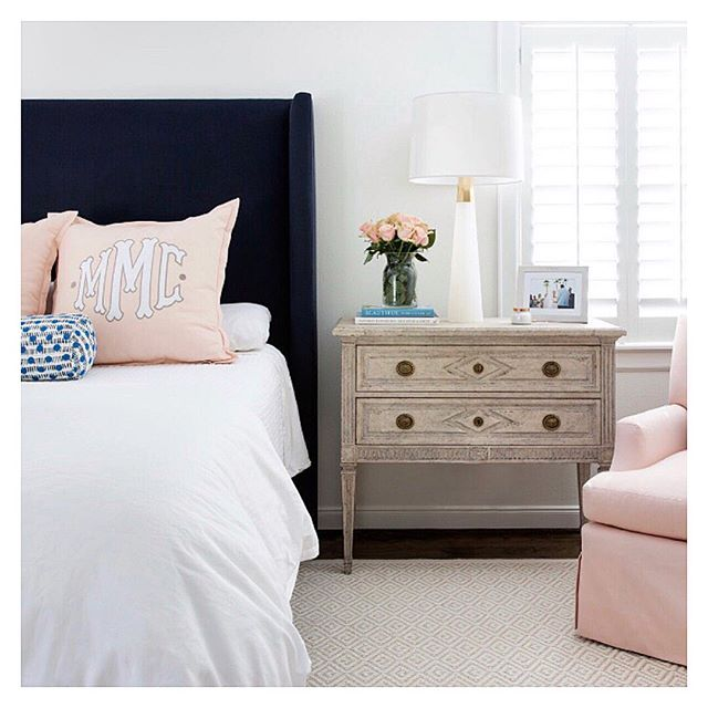 Sunday... 😴🌷🛌 #jbinteriors #bedroomdesign #weekend #sunday #monogram #custom #designhouston #houstondesign