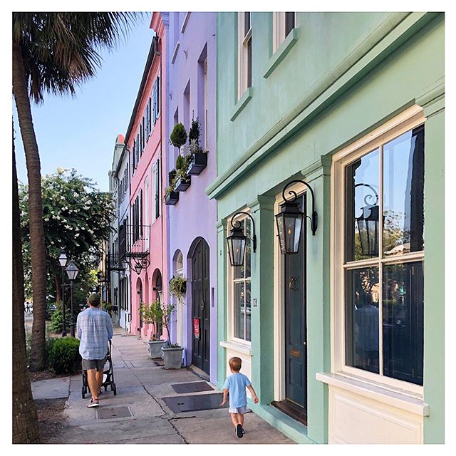 A few things that make me happy... 💜☀️👨‍👩‍👧‍👦🏠 #charleston #color #rainbowrow #family #fourthofjuly #charlestonhomes #inspo