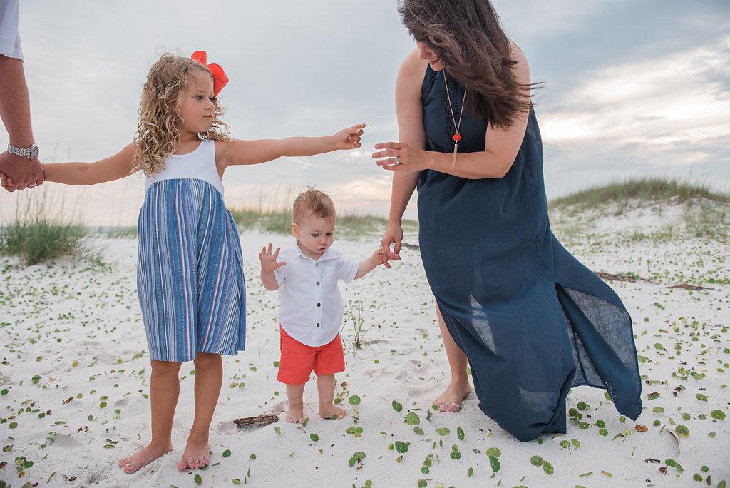 mom and kids with shells-Pensacola photographer