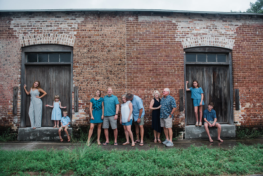extended family downtown-Pensacola Family photographer