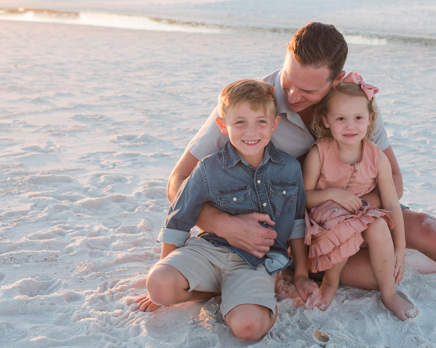 dad with kids at beach-pensacola family photographer