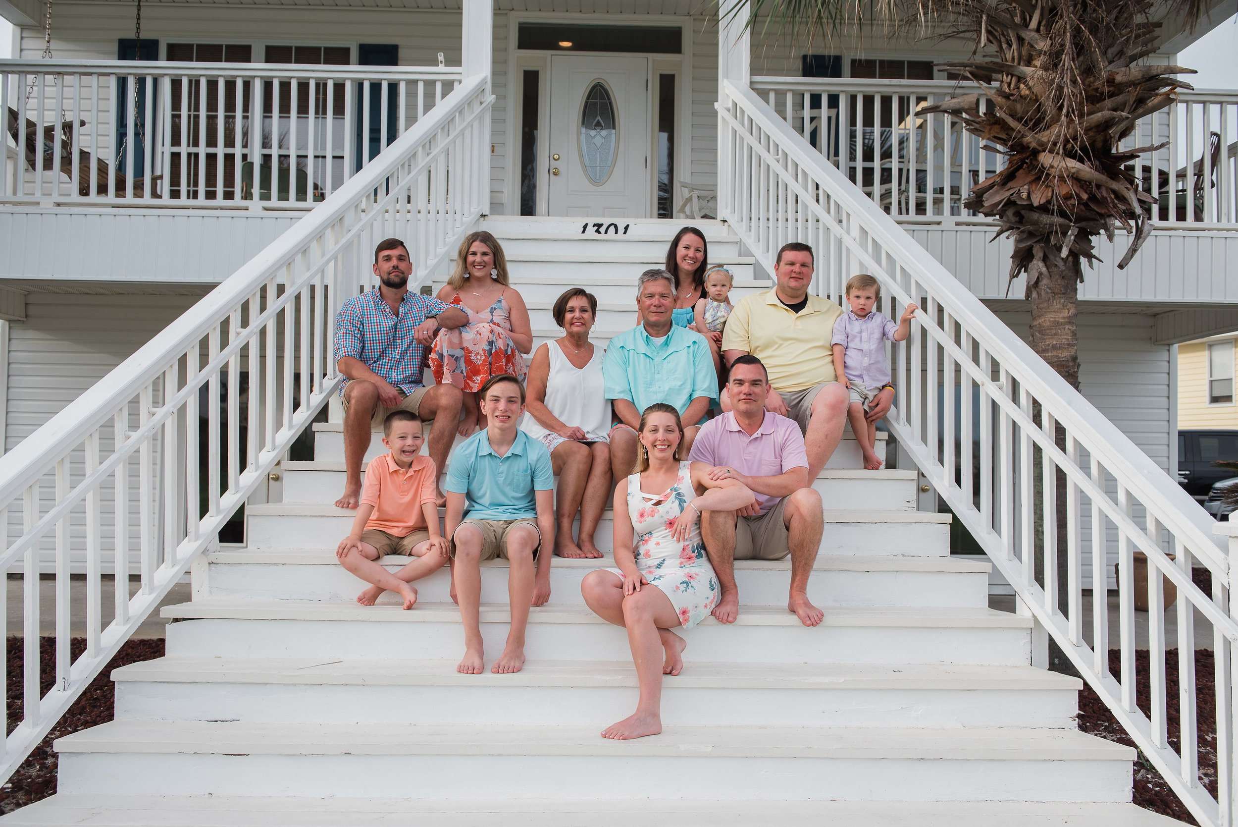 extended family-Pensacola Beach Family Photographer-Ann Mangum Photography