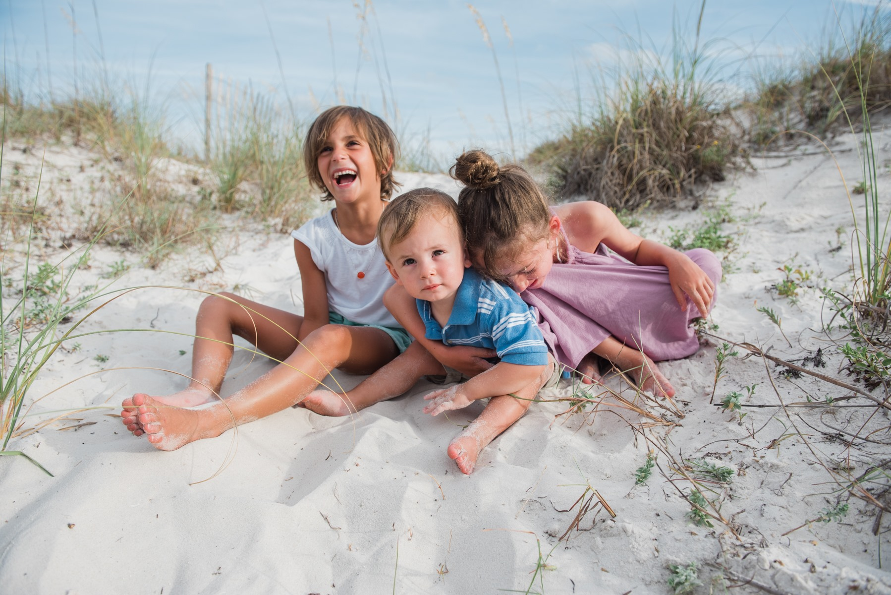 sister laughing-gulf shores family photographer